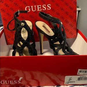 Women's size 9 guess pumps